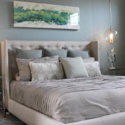 Перфектната декорация на спалнята с възглавнички