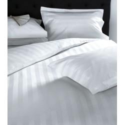 Изискано бяло спално бельо от памучен сатен